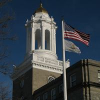 Newport City Hall and Flags, Ньюпорт