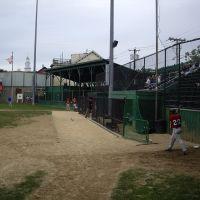 Cardines Memorial Field, Ньюпорт