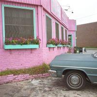 Pink bar & green car, Atlanta - 1989, Атланта