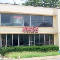 COCA-COLA Sandersville Georgia, Old Coca-Cola Bottling Plant Sandersville Washington County Georgia                         More Sandersville Georgia Washington County Photos at http://SandersvilleGeorgia.blogspot.com    More Coca-Cola Bottling Company Co, Вашингтон
