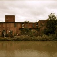 The old Atlantic Cotton Mill, Вилмингтон-Айленд