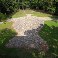 Rock Eagle Monument, Вхигам