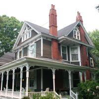 una splendida casa Vittoriana a Edgewood Avenue, Грешам Парк