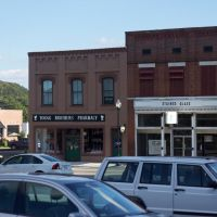 Young Bros. Pharmacy, Картерсвилл