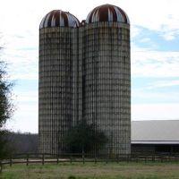 Old Grain Silos on the Farm, Клэйтон