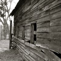 A beautiful old barn., Макон
