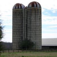 Old Grain Silos on the Farm, Порт-Вентворт
