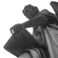 Angle in Cemetery, Ром