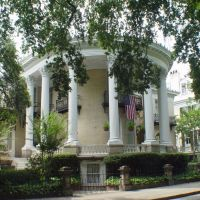 McNeil-Mett mansion, one of the nicest neo-classical revival mansions in the south, Forsyth Park (7-2009), Саванна
