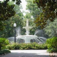 Forsyth Park fountain, manufactured in New York in 1858 (7-2009), Саванна