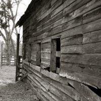 A beautiful old barn., Форт Оглеторп