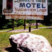 Laurel Court Motel, Вилинг