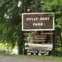 Holly Gray Park, entrence by Andrew Smith, Вилинг