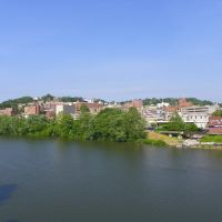 Morgantown, Monongalia County, West Virginia - view from across the Monongahela River., Моргантаун