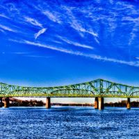 Bridge going to Belpre Ohio from Parkersburg Point Park 2012, Паркерсбург