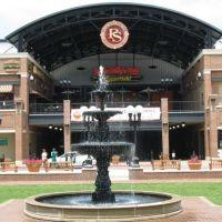 Pullman Square Fountain, Хунтингтон
