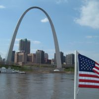 Apr 2007 - St. Louis, Missouri. The Arch and The Flag., Сент-Луис