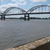 Centennial Bridge, Davenport, IA, Аледо