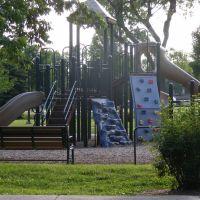 Playground, Арлингтон-Хейгтс