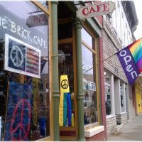 The Brick Cafe and Gallery in downtown Belvidere IL, Белвидер