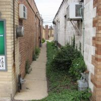 Alley 2, Вилла-Парк