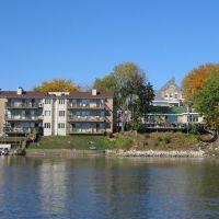 Houses on River, Евергрин Парк