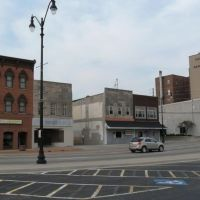 Court St in downtown Kankakee, Канкаки