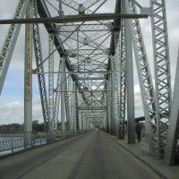 Puente de acero sobre Río Santa Lucía, San José, Кантон