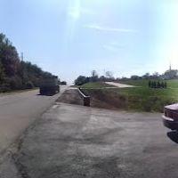 John Deere Parkway, Карбон Клифф