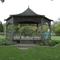 Gazebo, Village Green, Нортбрук