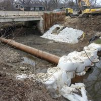 Cofferdam at Willow Road and Middle Fork of North Branch Chicago River, Нортфилд