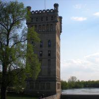 The Hoefmann Tower, Риверсид