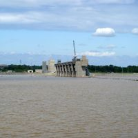 Melvin Price Locks And Dam. High Water From The Mighty Mississippi Push Through The Open Gates.  5/18/2010., Роксана