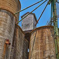 Grain Elevator, Савои