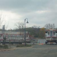 Boats on Fox River, Сант-Чарльз