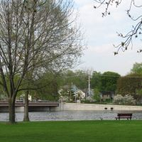 Mount St. Marys Park by the Fox River in St. Charles, Сант-Чарльз