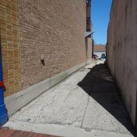 Alley, Сант-Чарльз