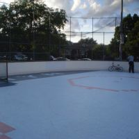 Hockey rink in Berwyn, IL, Стикни