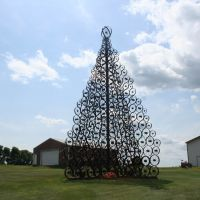 Xmas tree from steel wheels, Фрипорт