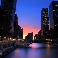 Sunset Skimming Chicago River - Illinois, USA, Чикаго