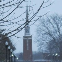 Snowy day on the Anderson University campus, Андерсон