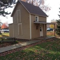 Barney Warren Cabin on the AU campus. Warren was a hymn writer in the Church of God., Андерсон