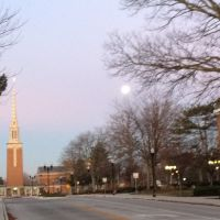 Moon set over Anderson University and Park Place Church of God of, Андерсон
