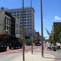 Main Street downtown, good pedestrian street, Евансвилл