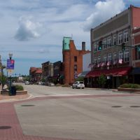 Main Street, north from High, Elkhart, Indiana, July 2009, Елкхарт