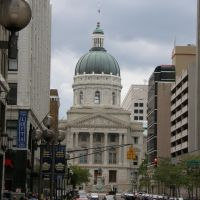 Indiana State Capitol (down E Market St), Индианаполис