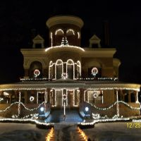 Seiberling Mansion & Howard County Museum, decorated for Christmas; Kokomo, IN, Кокомо