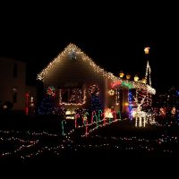 834 W Melbourne Ave Christmas House, Логанспорт