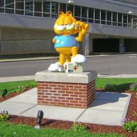 Garfield by Jim Davis Statue-Marion General Hospital Statue, Марион