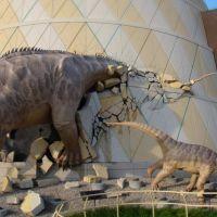 DSC02702 Brontosaurus DNA NW view - 7/11/09, Меридиан Хиллс